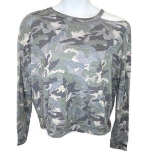 5/$35 Inspired Hearts Cold Shoulder Camo Top - XL